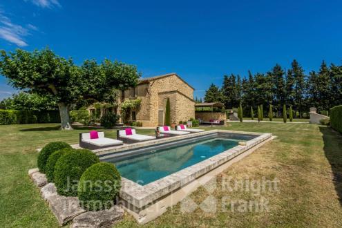 Farm класса люкс на продажу  Тайяд, 225 м², 4 Спальни, 1350000€