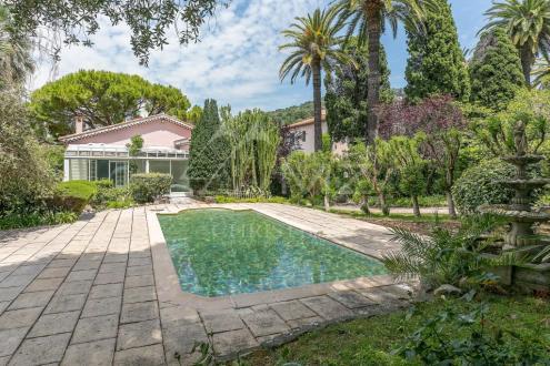 Villa de luxe à vendre CANNES, 160 m², 7 Chambres, 1800000€