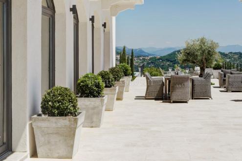 Maison de luxe à louer GRASSE, 400 m², 4 Chambres,