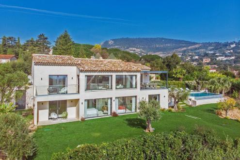 Maison de luxe à louer GRIMAUD, 270 m², 4 Chambres,