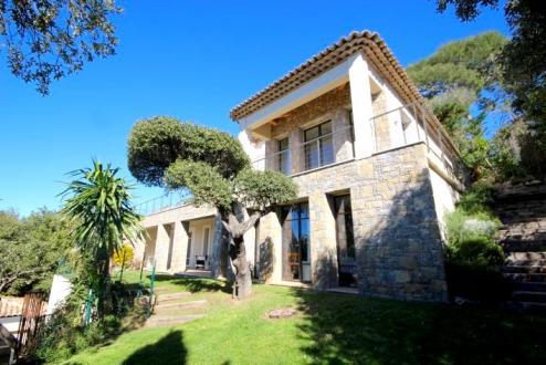 Maison de luxe à louer CAP D'ANTIBES, 400 m², 6 Chambres