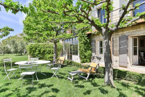 Maison de luxe à louer MOURIES, 300 m², 5 Chambres,