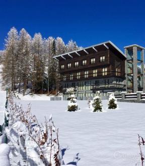 Casa di lusso in affito PEONE, 1080 m², 8 Camere, 10500€/mese