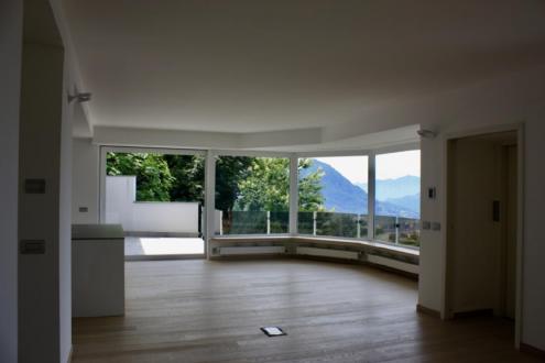 Вилла класса люкс в аренду Альдесаго, 270 м², 4 Спальни
