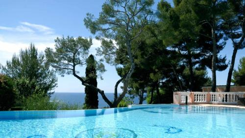 Luxury House for rent SAINT JEAN CAP FERRAT, 550 m², 4 Bedrooms