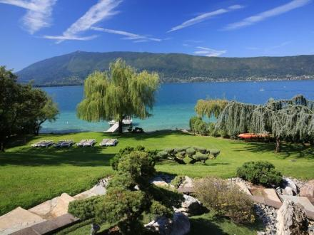 Luxury House for rent VEYRIER DU LAC, 300 m², 5 Bedrooms