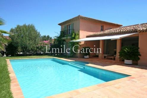 Maison de luxe à louer SAINT TROPEZ, 260 m², 5 Chambres
