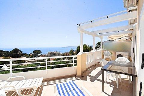 Appartement de luxe à louer CAP D'AIL, 95 m², 2 Chambres,