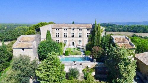 Усадьба / Поместье класса люкс на продажу  Экс-Ан-Прованс, 817 м², 6 Спальни, 4750000€