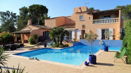 Maison de luxe à vendre FREJUS, 250 m², 5 Chambres