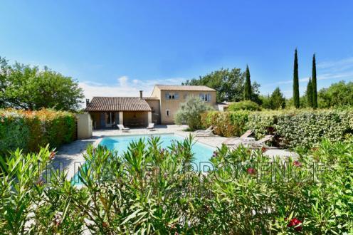 Casa di lusso in vendita LACOSTE, 195 m², 4 Camere, 725000€