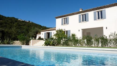 Luxury Bastide for rent GRIMAUD, 320 m², 8 Bedrooms