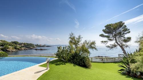 Luxury House for sale SAINT AYGULF, 400 m², 8 Bedrooms, €4800000