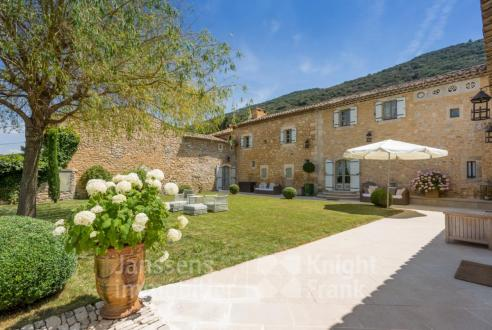 Luxus-Farm zu verkaufen BONNIEUX, 493 m², 7 Schlafzimmer