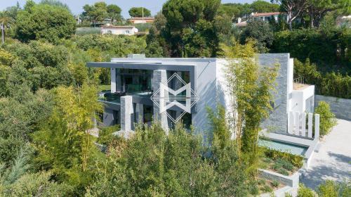 Luxus-Villa zu verkaufen LE GOLFE JUAN, 340 m², 5 Schlafzimmer, 3990000€