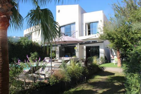 Luxus-Haus zu verkaufen CANNES, 230 m², 1495000€