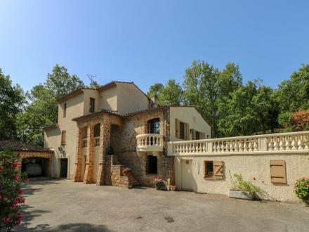 Luxury Villa for sale FAYENCE, 200 m², 4 Bedrooms, € 640 000