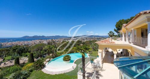 Propriété de luxe à vendre CANNES, 599 m², 4 Chambres