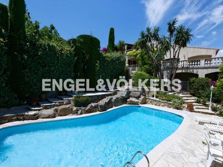 Villa de luxe à vendre VALLAURIS, 400 m², 5 Chambres