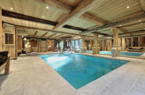 Chalet de luxe à louer MEGEVE, 250 m², 5 Chambres,
