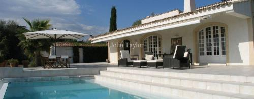 Luxury House for rent LE CANNET, 2 Bedrooms,