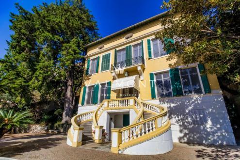 Maison de luxe à louer BEAULIEU SUR MER, 800 m², 9 Chambres,