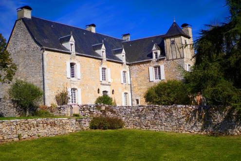 Maison de luxe à vendre GOURDON, 261 m², 5 Chambres, 850000€