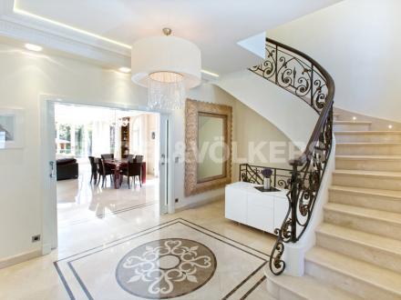 Вилла класса люкс на продажу  Кап д'Антиб, 500 м², 6 Спальни, 5900000€