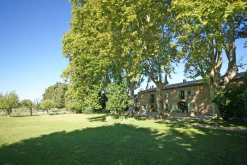 Farm класса люкс на продажу  Л'Иль-Сюр-Ла-Сорг, 300 м², 5 Спальни