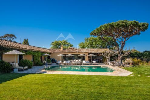 Maison de luxe à louer RAMATUELLE, 150 m², 4 Chambres,
