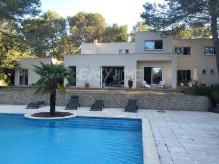 Дом класса люкс на продажу  Ним, 270 м², 5 Спальни, 970000€