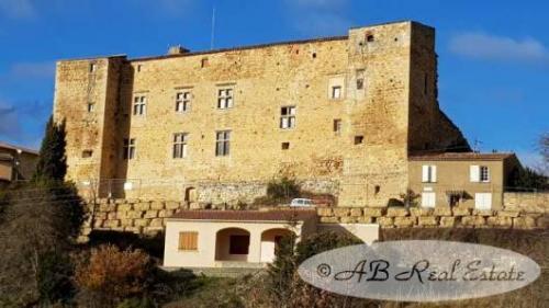 Luxus-Schloss / Herrenhaus zu verkaufen CARCASSONNE, 300 m², 2 Schlafzimmer, 995000€
