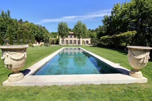 Дом класса люкс на продажу  Экс-Ан-Прованс, 380 м², 6 Спальни, 3350000€