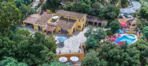 Casa di lusso in vendita CANNES, 325 m², 7 Camere, 844000€