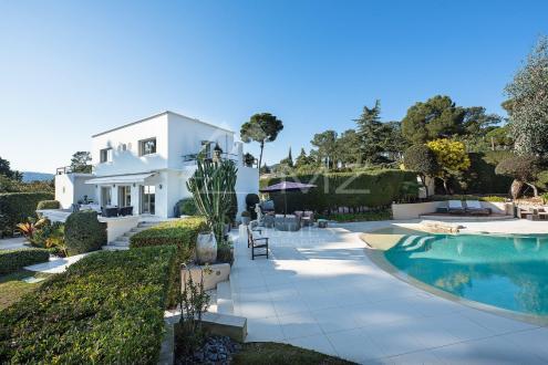 Villa de luxe à vendre ANTIBES, 230 m², 4 Chambres, 2550000€