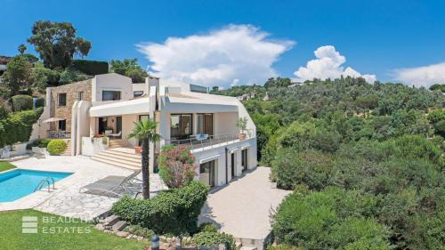 Luxury Villa for sale VALLAURIS, 290 m², 3 Bedrooms