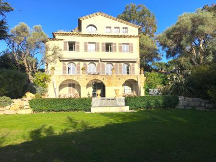 Luxury House for rent CAP D'ANTIBES, 300 m², 4 Bedrooms