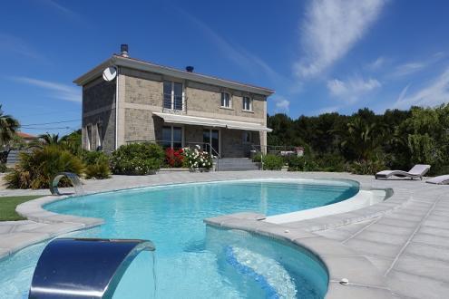 Maison de luxe à louer MARTIGUES, 198 m², 5 Chambres