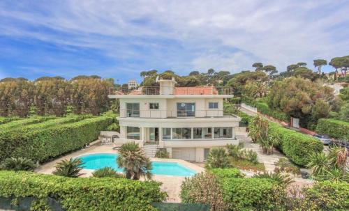Вилла класса люкс на продажу  Кап д'Антиб, 340 м², 5 Спальни, 4750000€