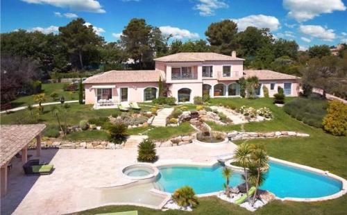 Appartement de luxe à louer MOUGINS, 780 m², 6 Chambres