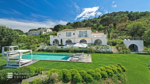 Luxury House for rent SAINT TROPEZ, 420 m², 6 Bedrooms,