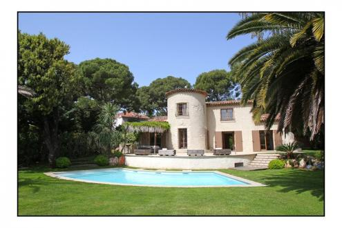 Luxury House for rent SAINT JEAN CAP FERRAT, 220 m², 4 Bedrooms