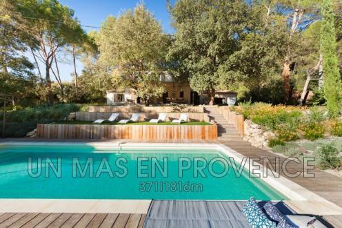 Maison de luxe à louer PERNES LES FONTAINES, 150 m², 4 Chambres