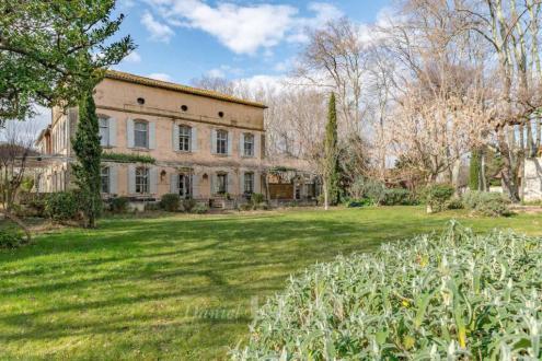 Proprietà di lusso in vendita RAPHELE LES ARLES, 870 m², 6 Camere, 3400000€