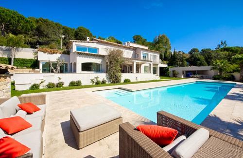 Luxus-Haus zu verkaufen CANNES, 400 m², 5 Schlafzimmer, 3800000€