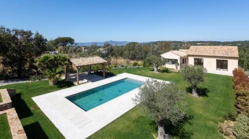 Maison de luxe à vendre SAINT TROPEZ, 260 m², 5 Chambres, 3690000€