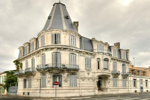 Luxury Property for sale SALON DE PROVENCE, 520 m², 8 Bedrooms