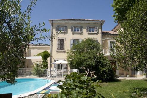 Propriété de luxe à vendre LE POUZIN, 380 m², 9 Chambres, 550000€