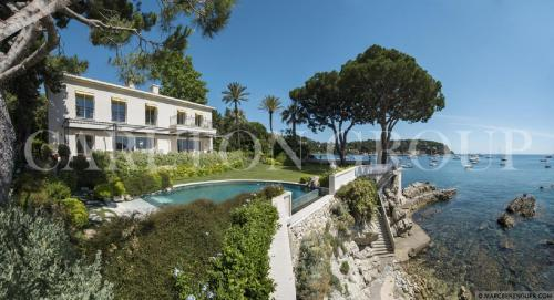 Luxury House for rent SAINT JEAN CAP FERRAT, 370 m², 5 Bedrooms,