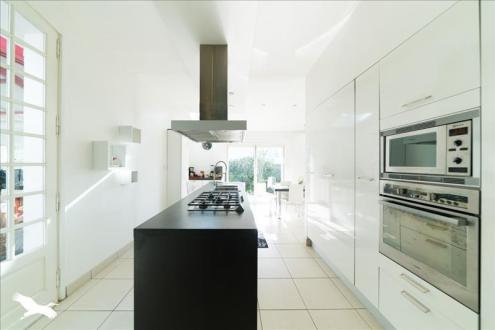 Maison de luxe à vendre PESSAC, 300 m², 5 Chambres, 1017000€
